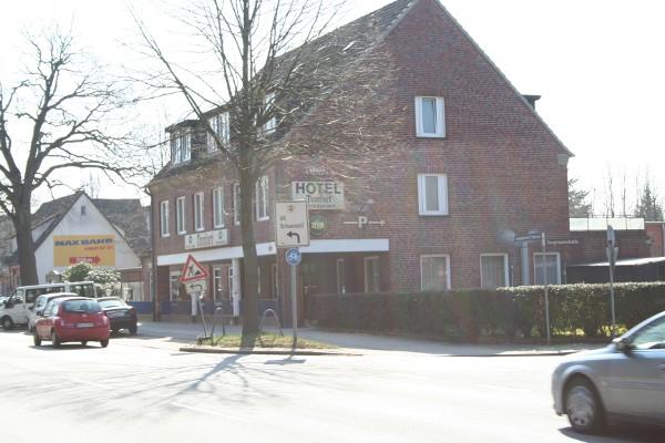 Hotelkomplex von Nord, Im Vordergrund Krezung Langenhorner Ch./Bergmannstr.